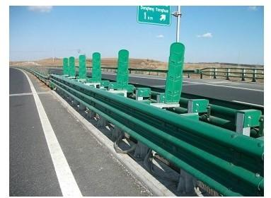 供应镀锌喷塑三波护栏板,山东护栏板批发,聊城护栏板厂家