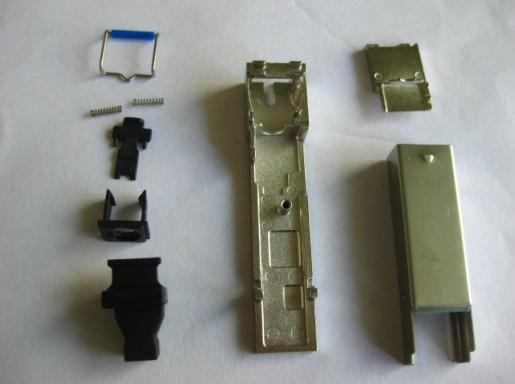 供应东莞电子连接器RJ45光模块SFP底座压铸