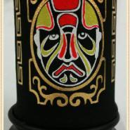 炭雕工艺品摆件笔筒红脸谱图片