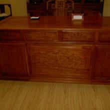 供应东营红木书桌