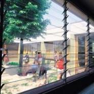 玻璃活动百页窗遮阳系统图片