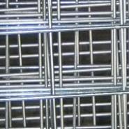 四道折弯电焊网片护栏低价安平销售图片