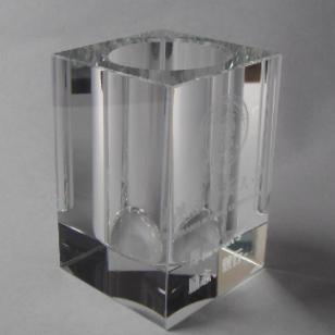 西安新时代水晶笔筒雕刻生产图片