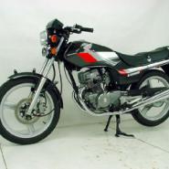 摩托车本田CB125T图片
