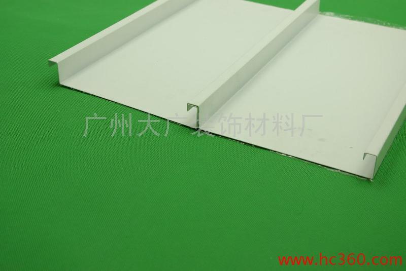 供应防风条扣板;高边防风条扣板吊顶/价格;广东防风条扣板;冲孔条扣板