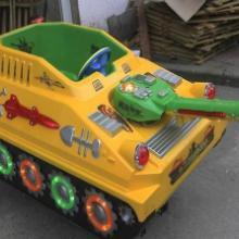供应内蒙古包头激光坦克摇摇车摇摆汽车