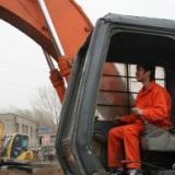 河北保定市挖掘机培训地点 保定挖掘机培训学校招生电话