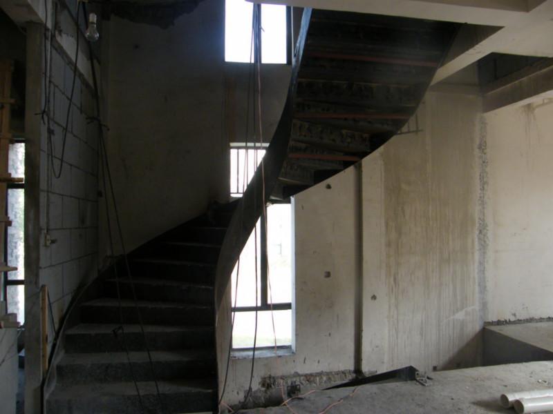 供应常州钢结构楼梯
