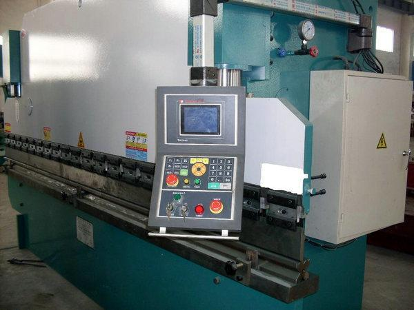 本公司有专业修理各种机械设备图片大全、图片库、图片网
