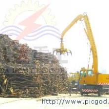 供应八达重工密度板行业木材抓取设备