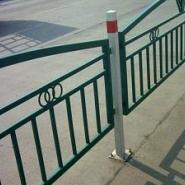 铁艺护栏网公路隔离网小区围栏网图片