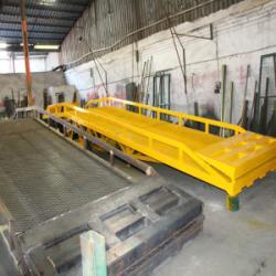供应10吨移動式登車橋出售厂家