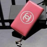 Chanel香奈儿漆皮拉链钱夹图片