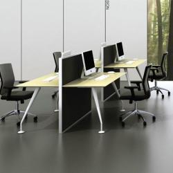 供應不同尺寸辦公桌和源辦公桌産品
