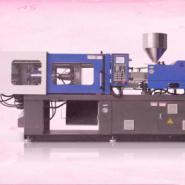 两个螺杆注射一个射嘴射胶的注塑机图片