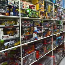 供应库存玩具-成色99成新未上架的几乎全新样品玩具,混装杂款AAA类批发