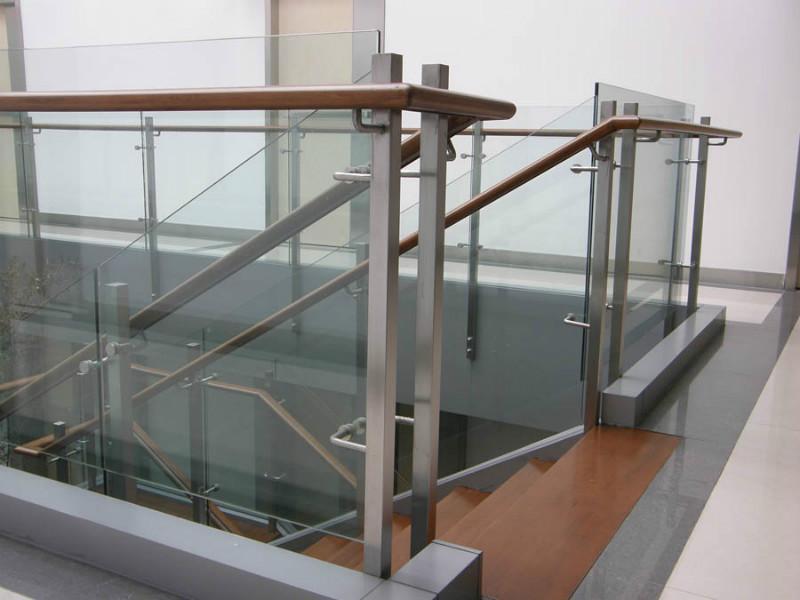 供应专业工程承包,不锈钢工程承包,玻璃工程承包
