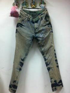 衡水最便宜女式牛仔裤批发图片