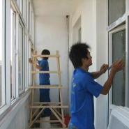 城阳家政保洁擦玻璃公司图片