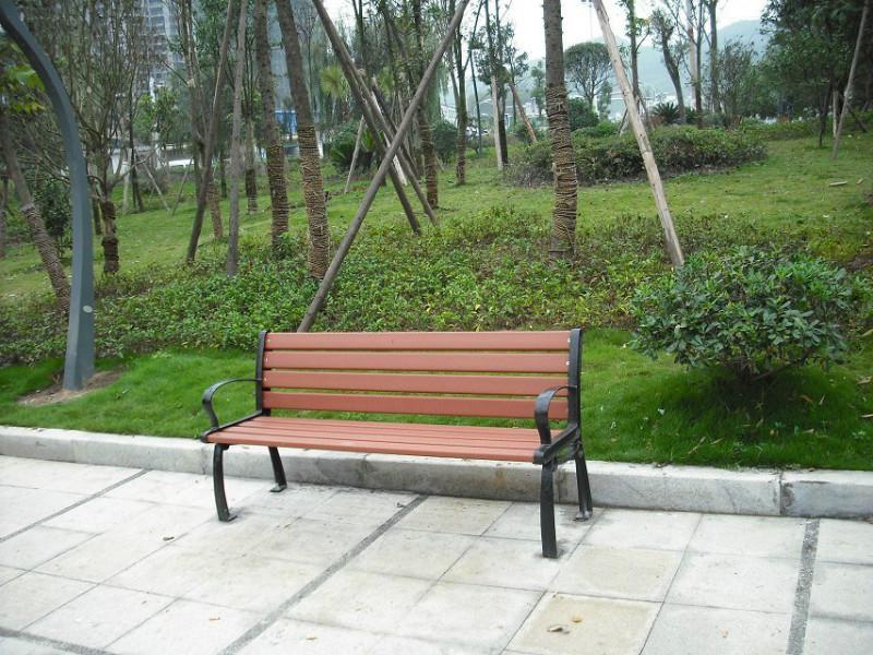 供应防腐木公园休闲椅,公园椅材质样式一应俱全 公园椅现货批发