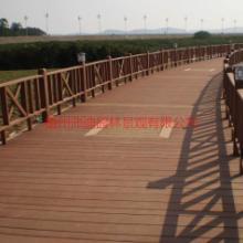 供应梧州贺州塑木护栏,塑木材料批发,塑木地板,现场施工 梧州塑木护栏批发