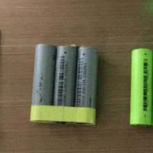 供应聚合物锂离子电池绕贴胶机,360度贴胶机厂家,通用型电池包胶机,深圳电池绕胶机报价,数码电池绕胶布机批发