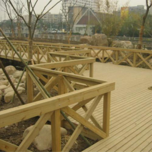 供应公园防腐木地板图片