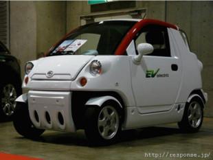 韩国进口益尊成人电动汽车 新款老年全封闭带空调电动轿车高清图片