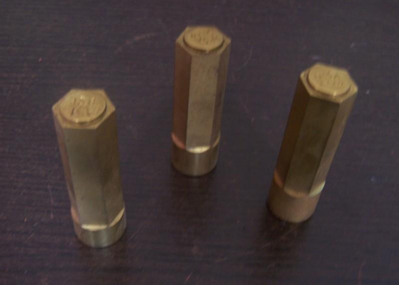 瑞安冷镦冲针厂提供打折顶针