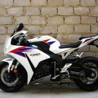 供应本田CBR1000RR摩托车,跑车,街车,越野车