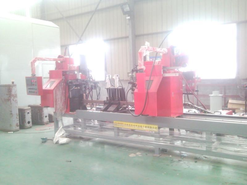 供应货架横梁挂片焊接专机、货架焊接专机、储物架焊接专机、超市货架专机