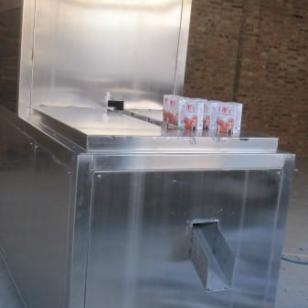 鑫鸿200毫升纸盒果汁灌装机图片