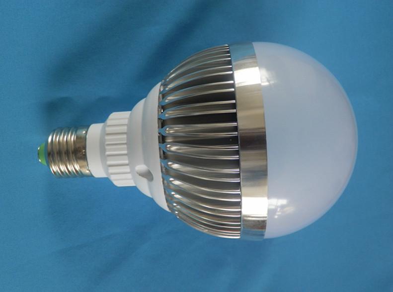 供应LED节能灯9W球泡灯亮度高节能
