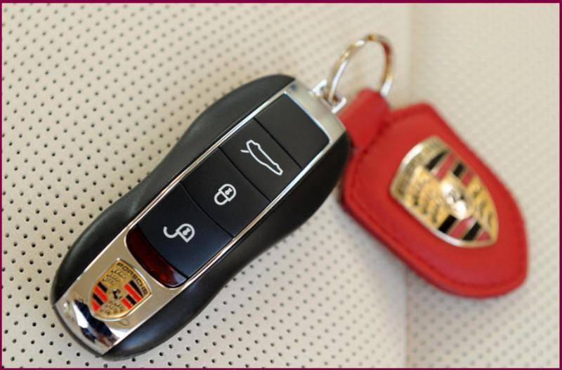 沈阳换保时捷钥匙电池保时捷钥匙 汽车钥匙价格 沈阳龙悦达汽车电子高清图片