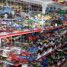 供应澄海称斤玩具A类惯性车玩具批发 澄海最大按吨批发玩具供货