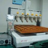 广州罗岗区深圳桌面式三轴点胶机图片