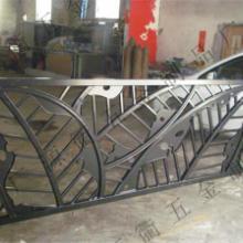 供应铁艺护栏制作生产,楼房铁艺护栏规格加工,碳钢护栏批发价格