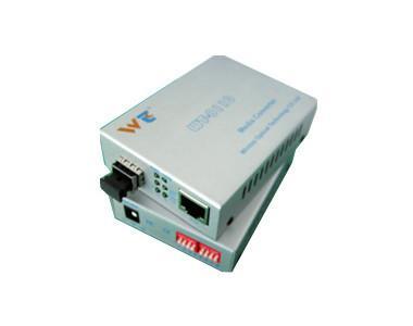 供应10/100/1000M自适应快速以太网SFP光纤收发器