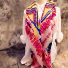 供应路易威登LV羊绒女围巾披肩时尚款