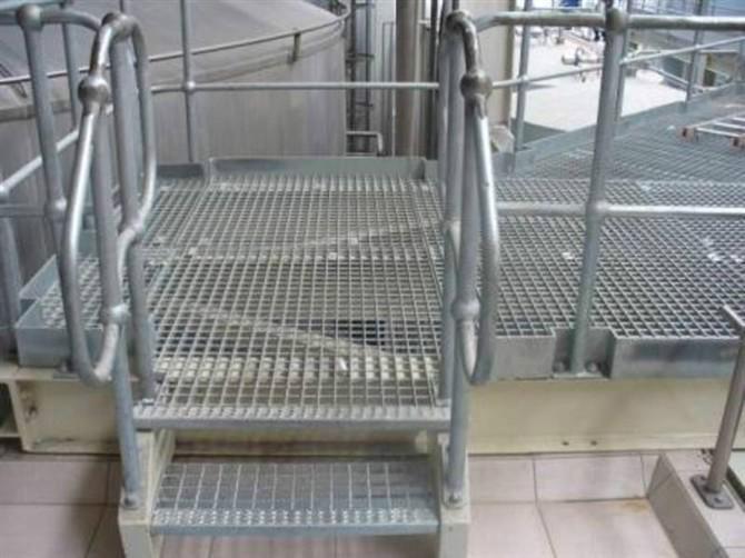 供应楼梯踏步板无锡厂家直销/楼梯扶手