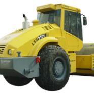 LSS2101型21吨单钢轮振动压路机图片