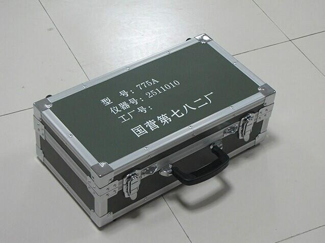 供应厂家定做各种测绘仪器箱_西安仪器包装箱价格_西安精密仪器包装箱厂