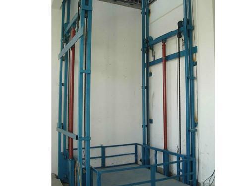 货梯价格图片  生产厂家:                          济南峻峰液压图片