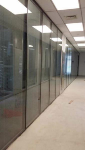 供应泰州办公玻璃隔断,泰州办公玻璃隔断厂家,泰州办公玻璃隔断公司,