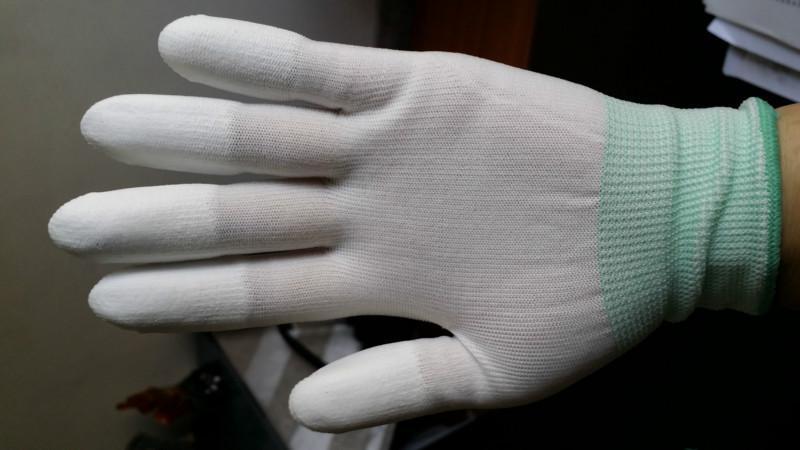 供应甘肃陇西防静电防滑手套供应商,甘肃陇西防静电防滑手套报价