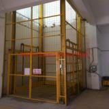 供应深圳导轨式升降机安装维修,找三良机械生产订制厂家
