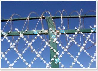 刀片刺绳网脎优质的刀片刺绳网就在祥谋金属丝网制品