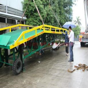惠阳移动叉车10吨装卸平台直销图片