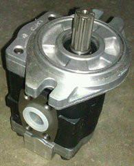 各种叉车液压泵油缸方向机总成维修图片