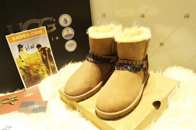 雪地靴加工代理超低价的UGG雪UGG雪地靴睁